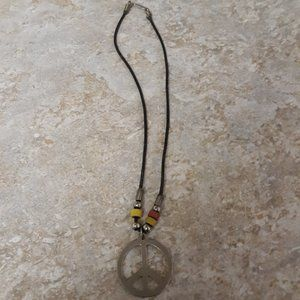 VTG Silver Tone Peace Sign Necklace With Beads